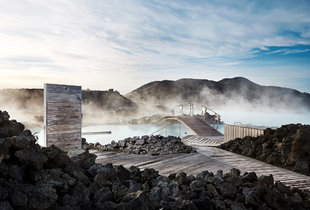 blue-lagoon-winter-iceland-thermal-spa.jpg