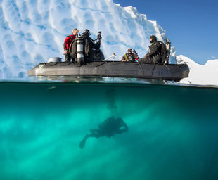 Diving in Antarctica - Peter de Maagt