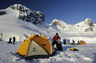 camping-antarctica-adventure-polar-travel-holiday-vacation-cruise-voyage-wilderness-sandra-petrowitz.jpeg