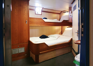 S/V Rembrandt Twin Private Porthole Cabin